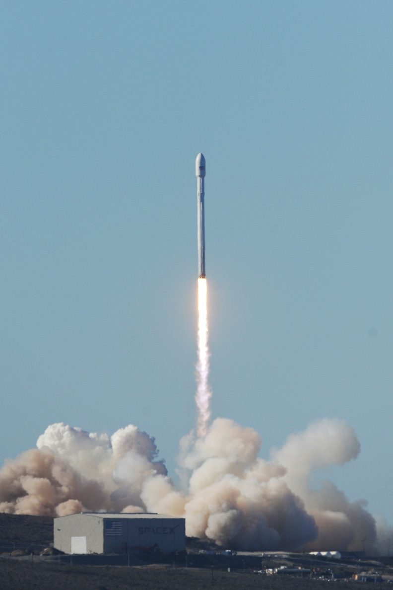 first spacex rocket - photo #4